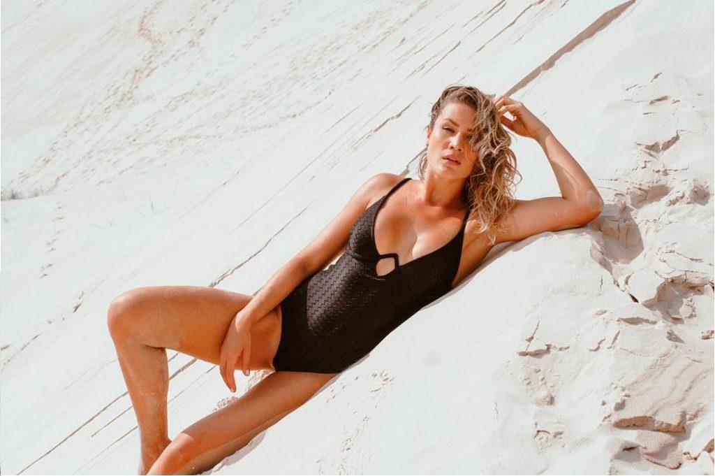 Modelo Body Maui Preto