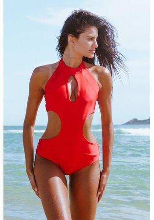 Modelo usa Body Tulum Vermelho da Pajaris