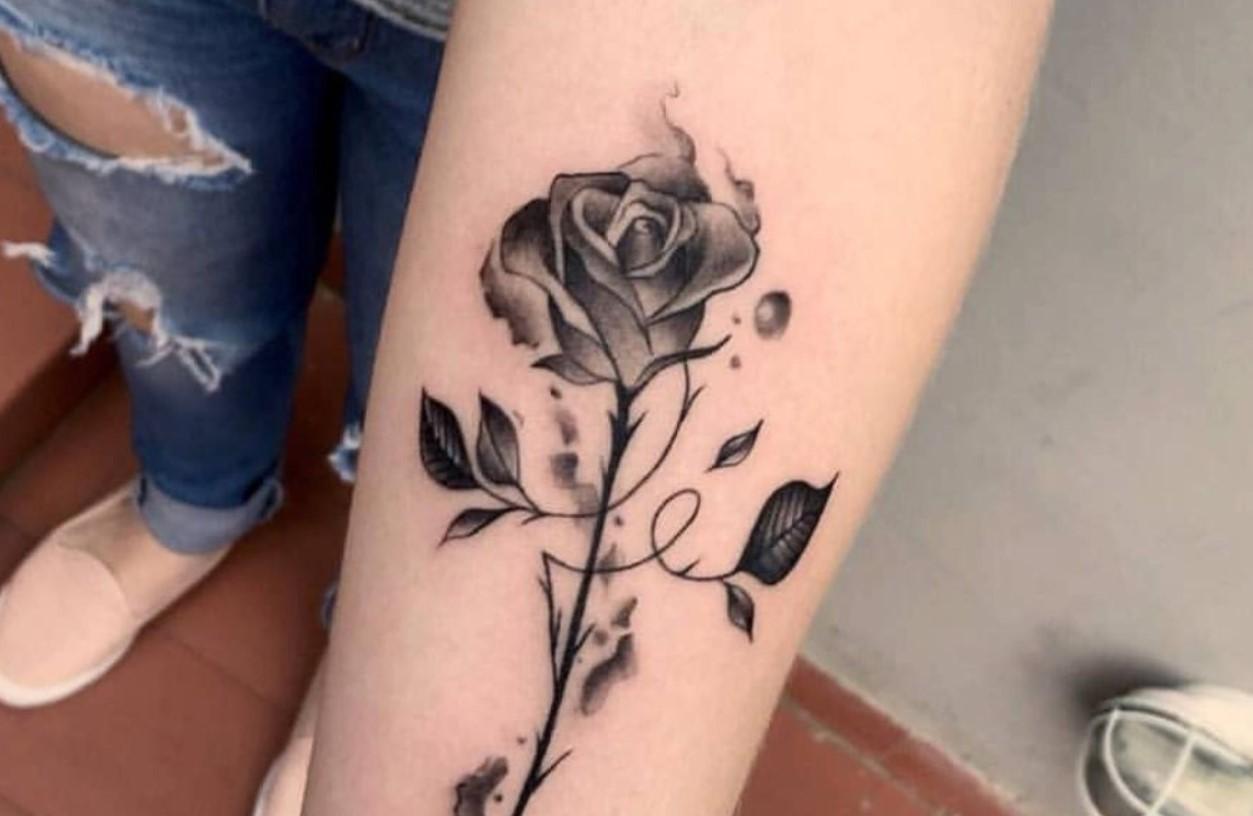 Ideias de tatuagens femininas e delicadas para se inspirar – Blog da Pajaris   Biquínis, Moda, Viagens e Vida Solar