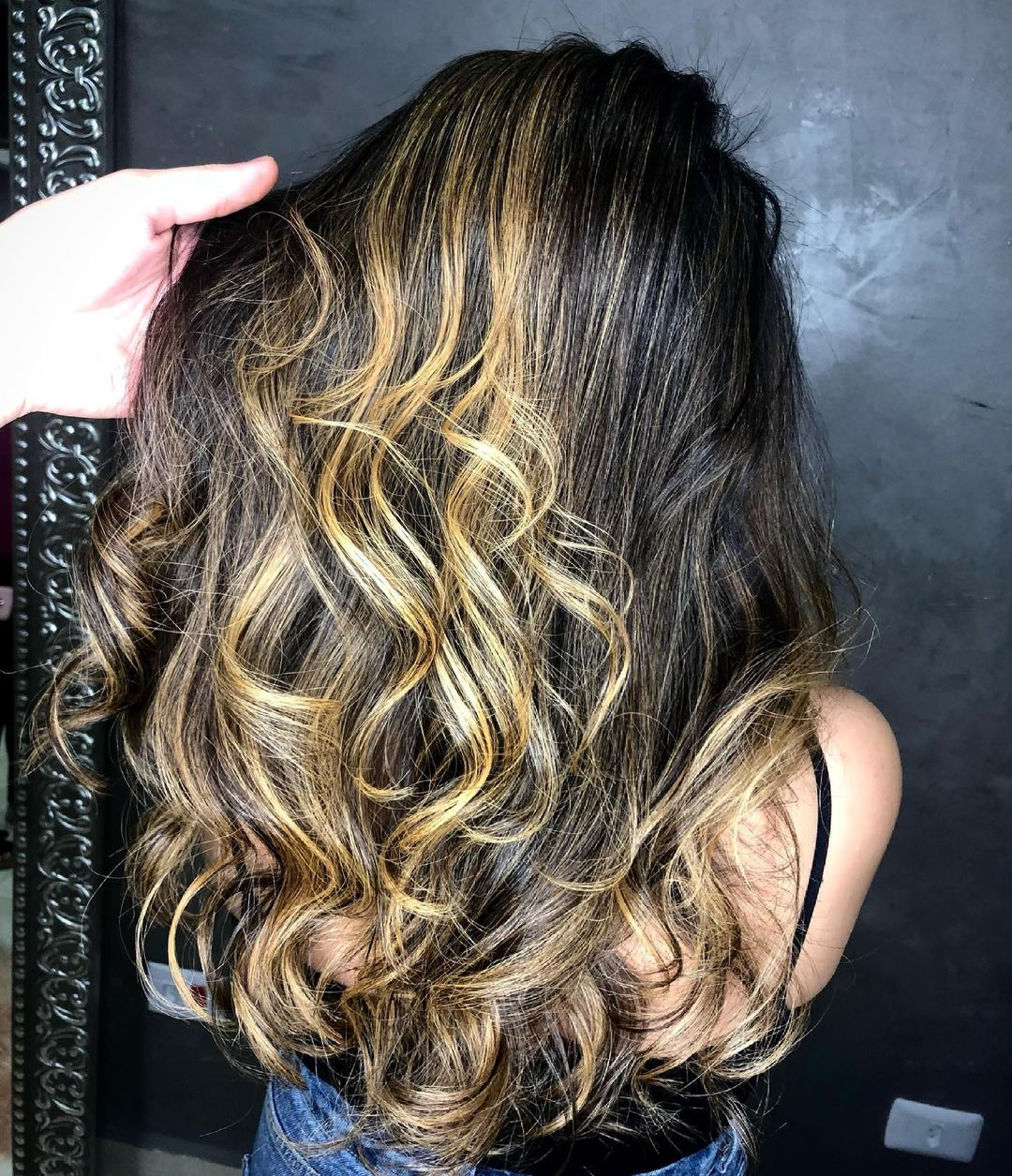 Black hair with highlights 20