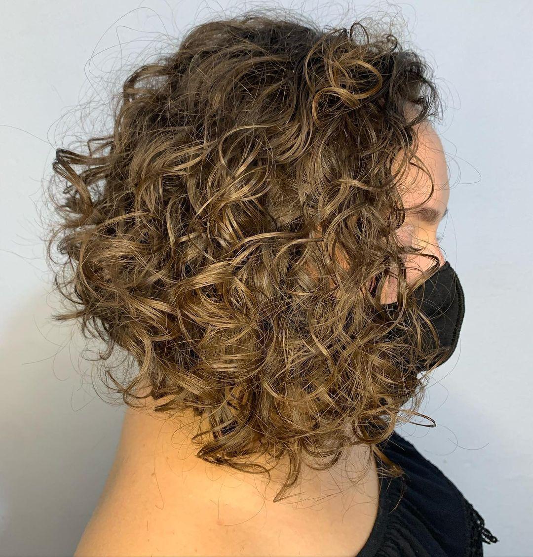 Long bob cut in curly hair 4