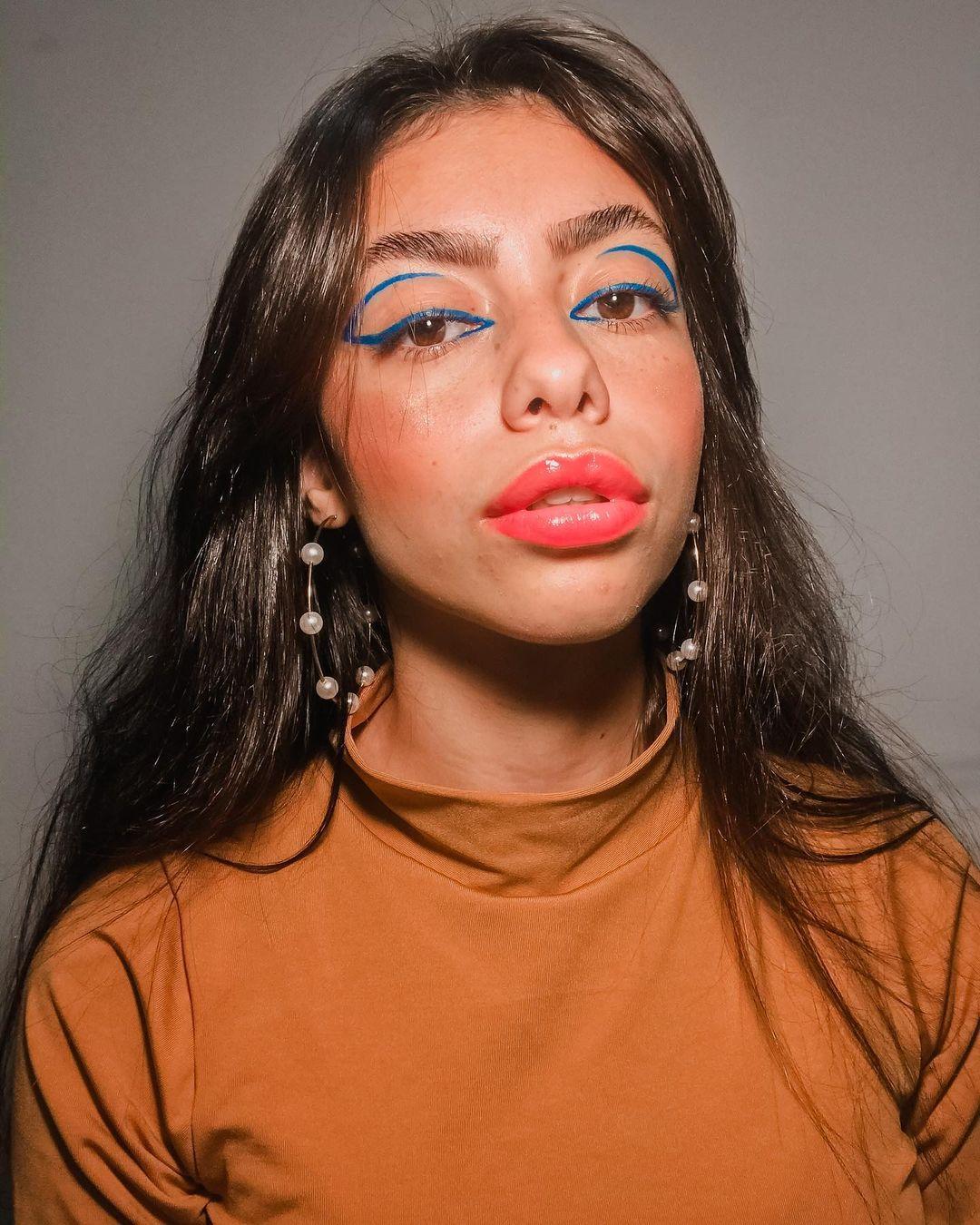 blue makeup 11
