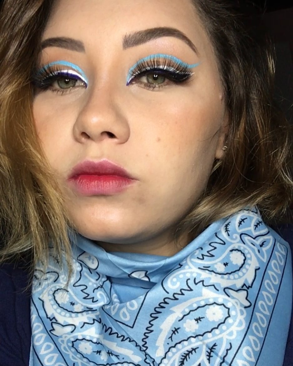 blue makeup 12