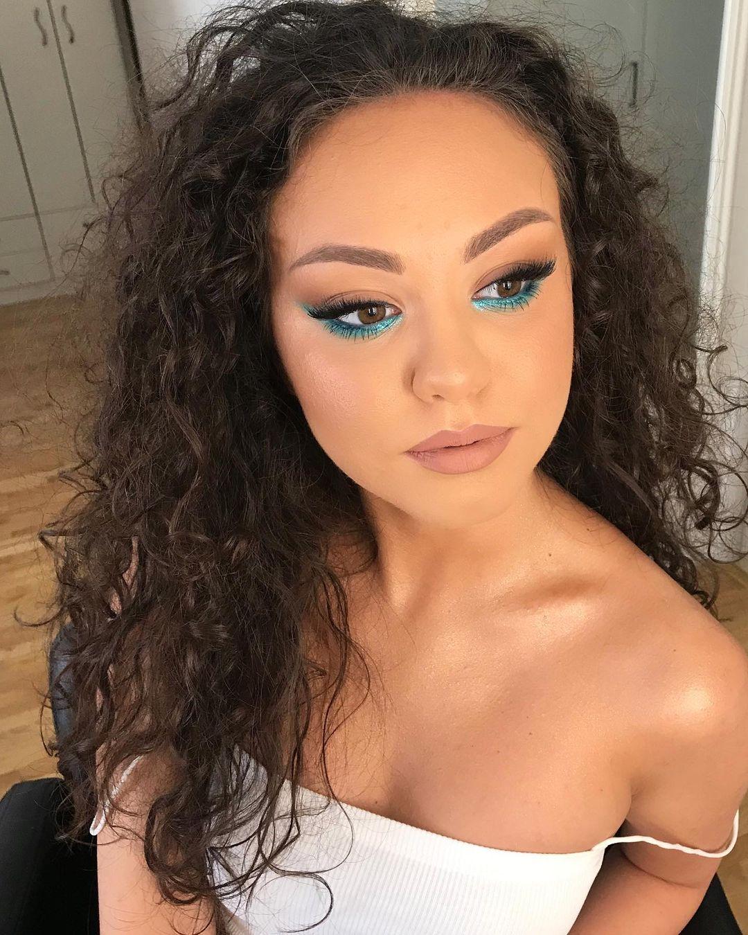 blue makeup 13
