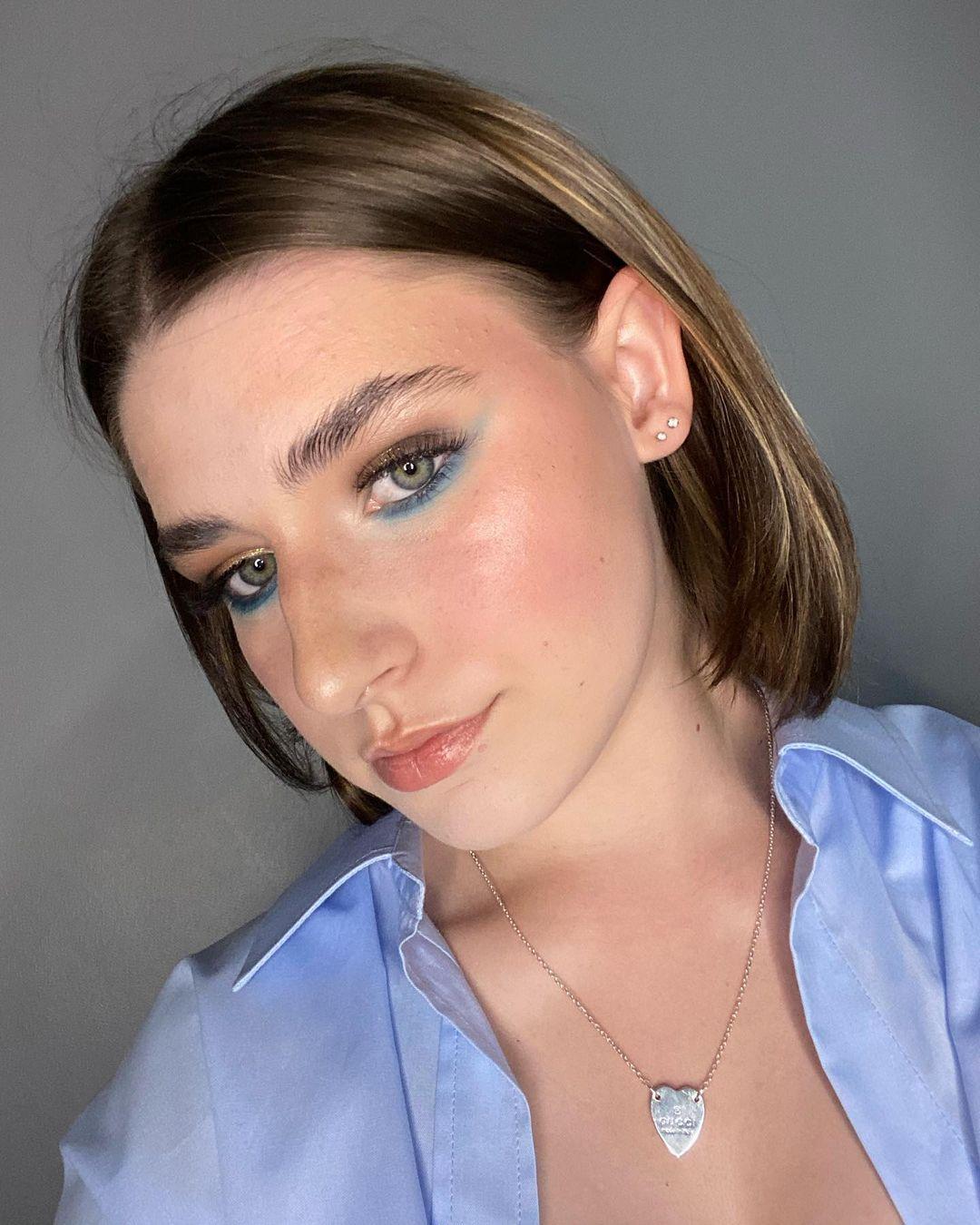 blue makeup 14