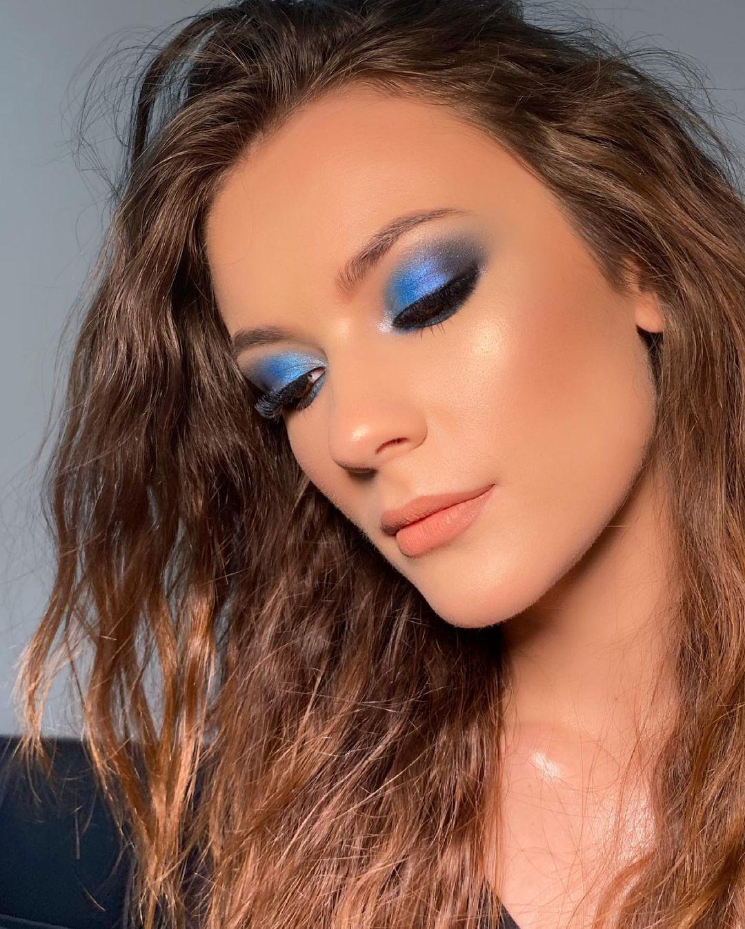 blue makeup 17