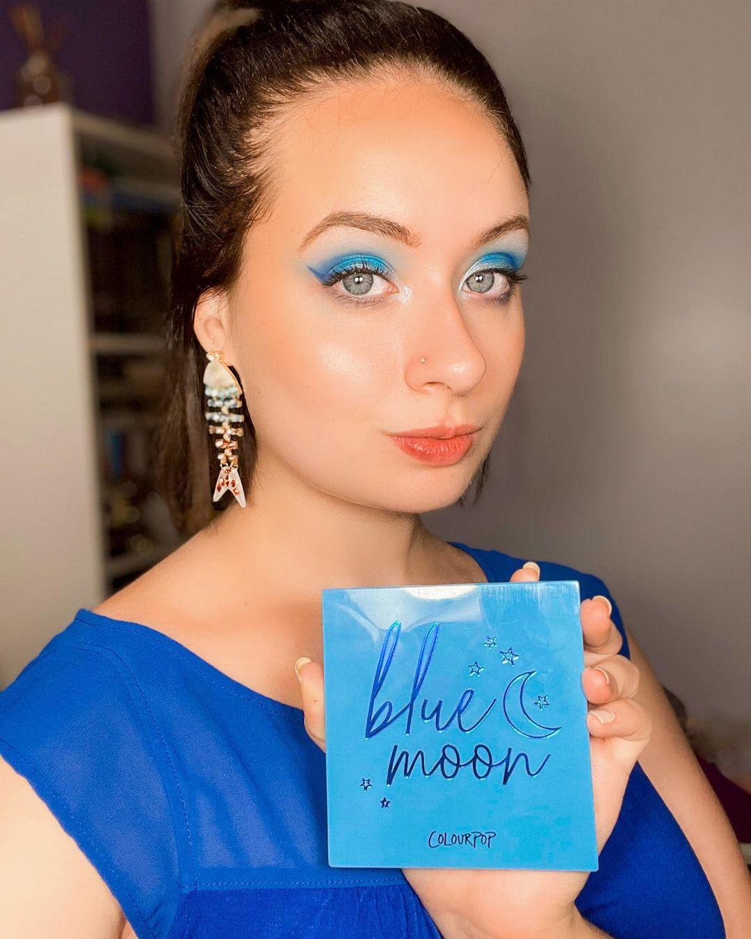 blue makeup 21