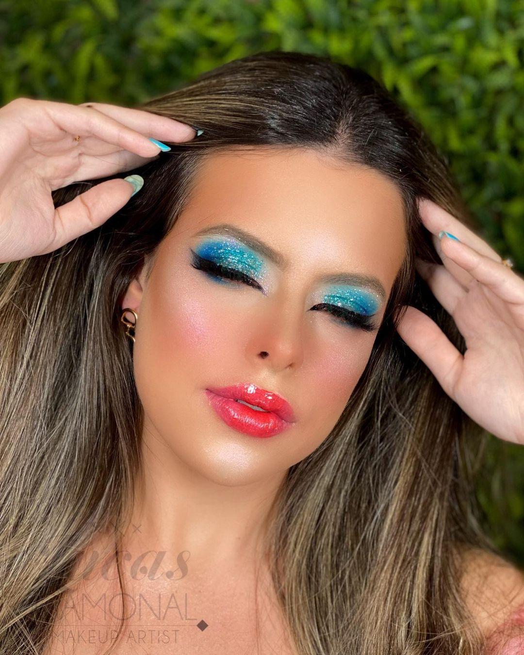 blue makeup 22