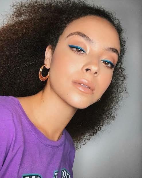 blue makeup 4