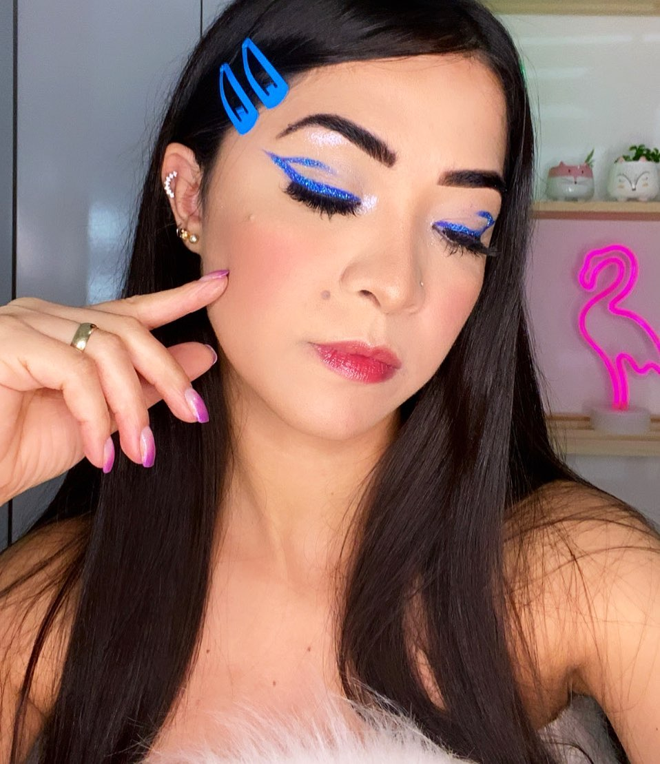 blue makeup 7