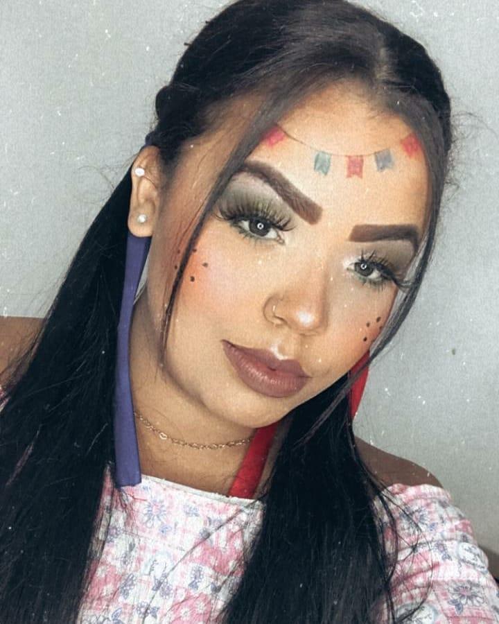 St. John Female Makeup 18