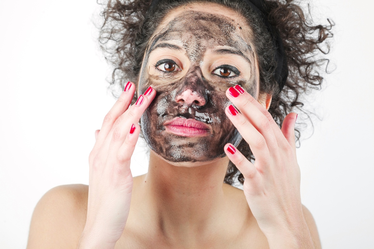 how to make an activated charcoal mask