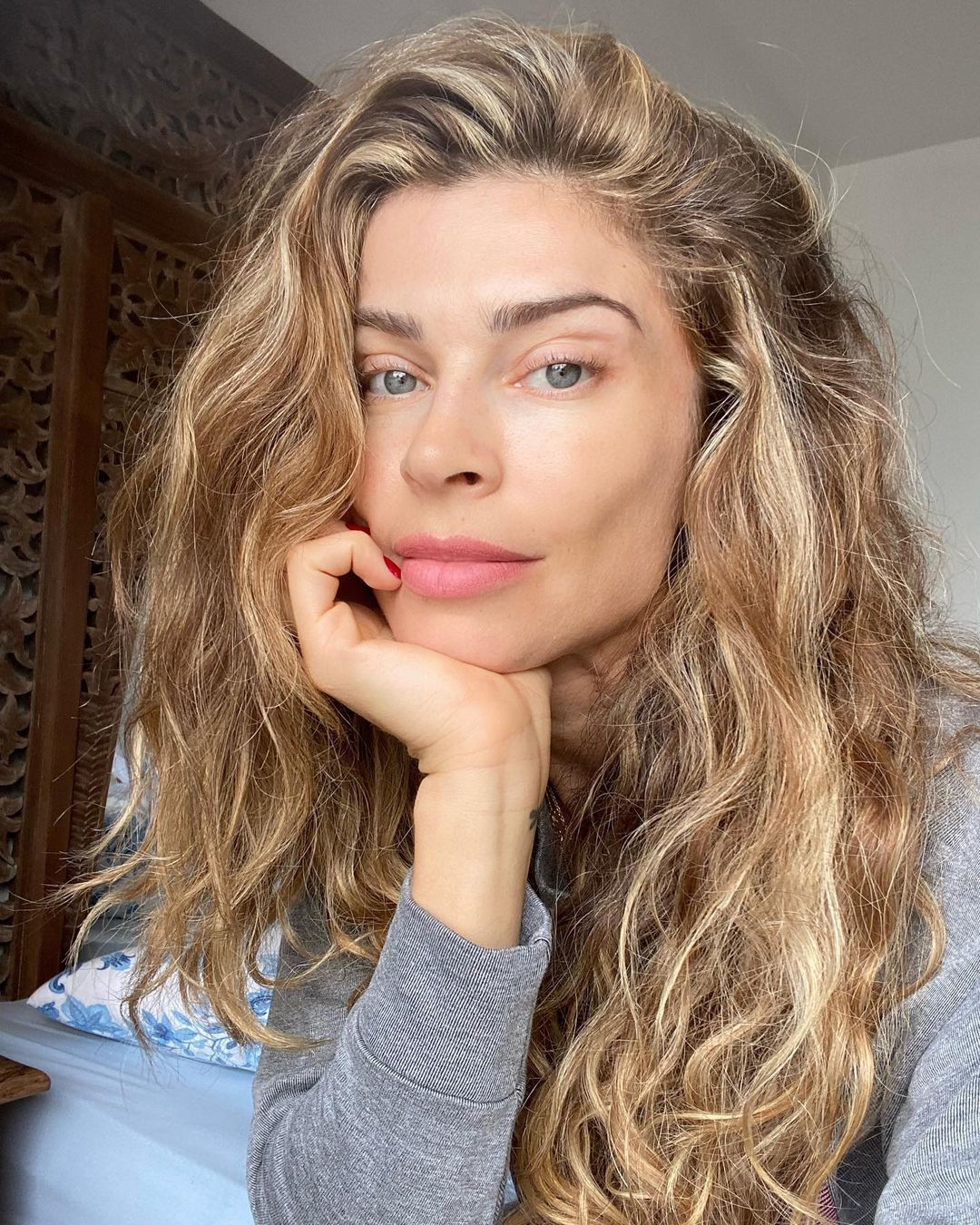 famous women without makeup 22