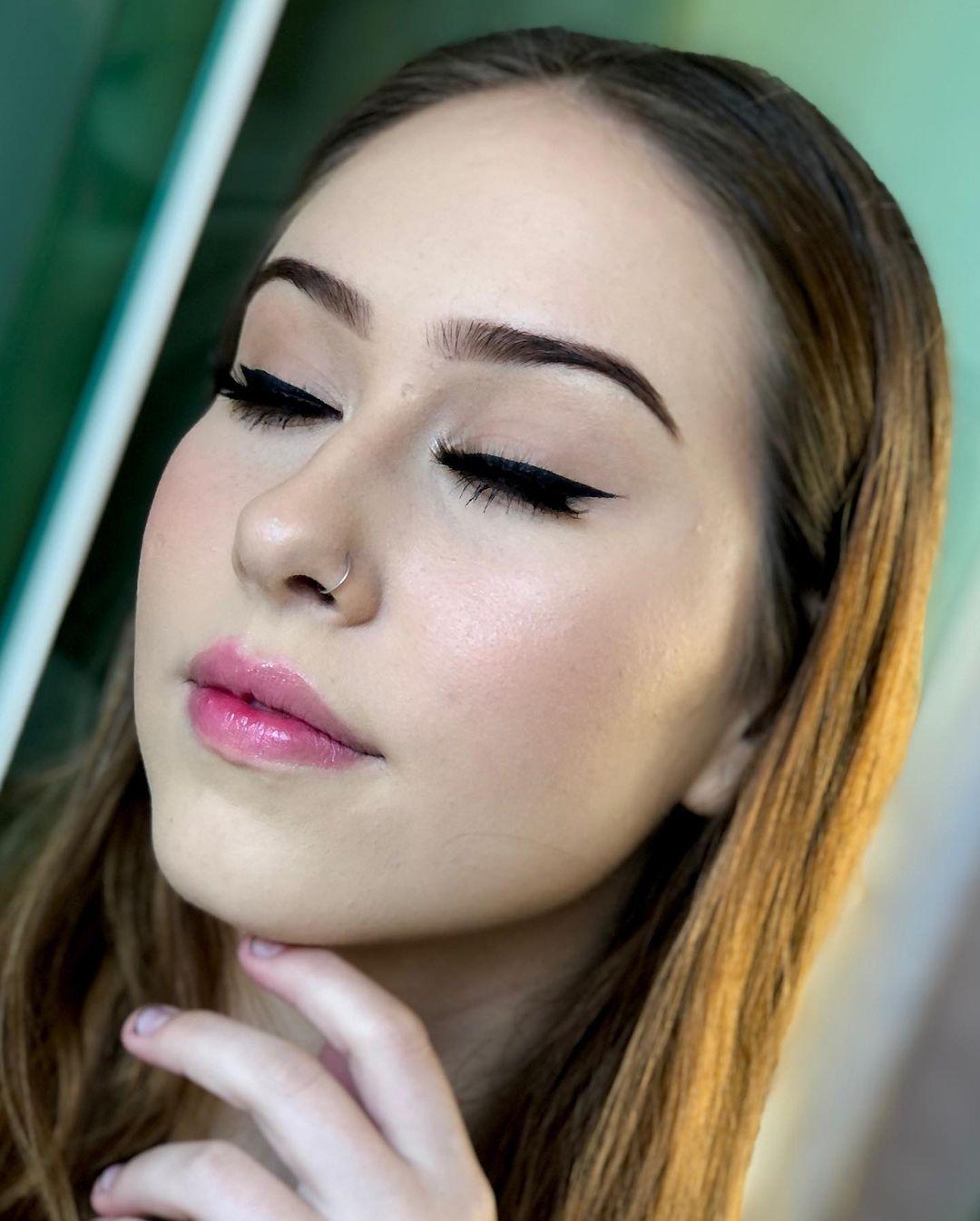 simple makeup 27