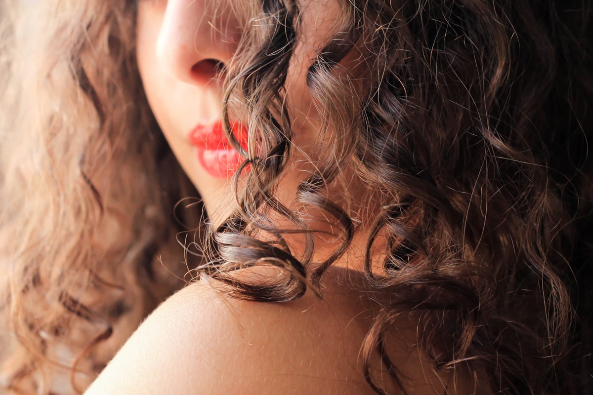 Know what to do to make your curly hair more beautiful