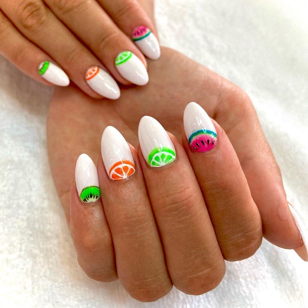 harry styles 10 nails