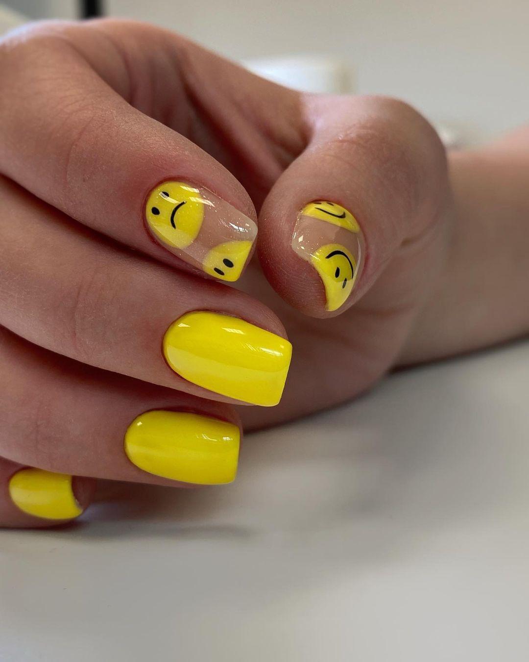 harry styles 3 nails