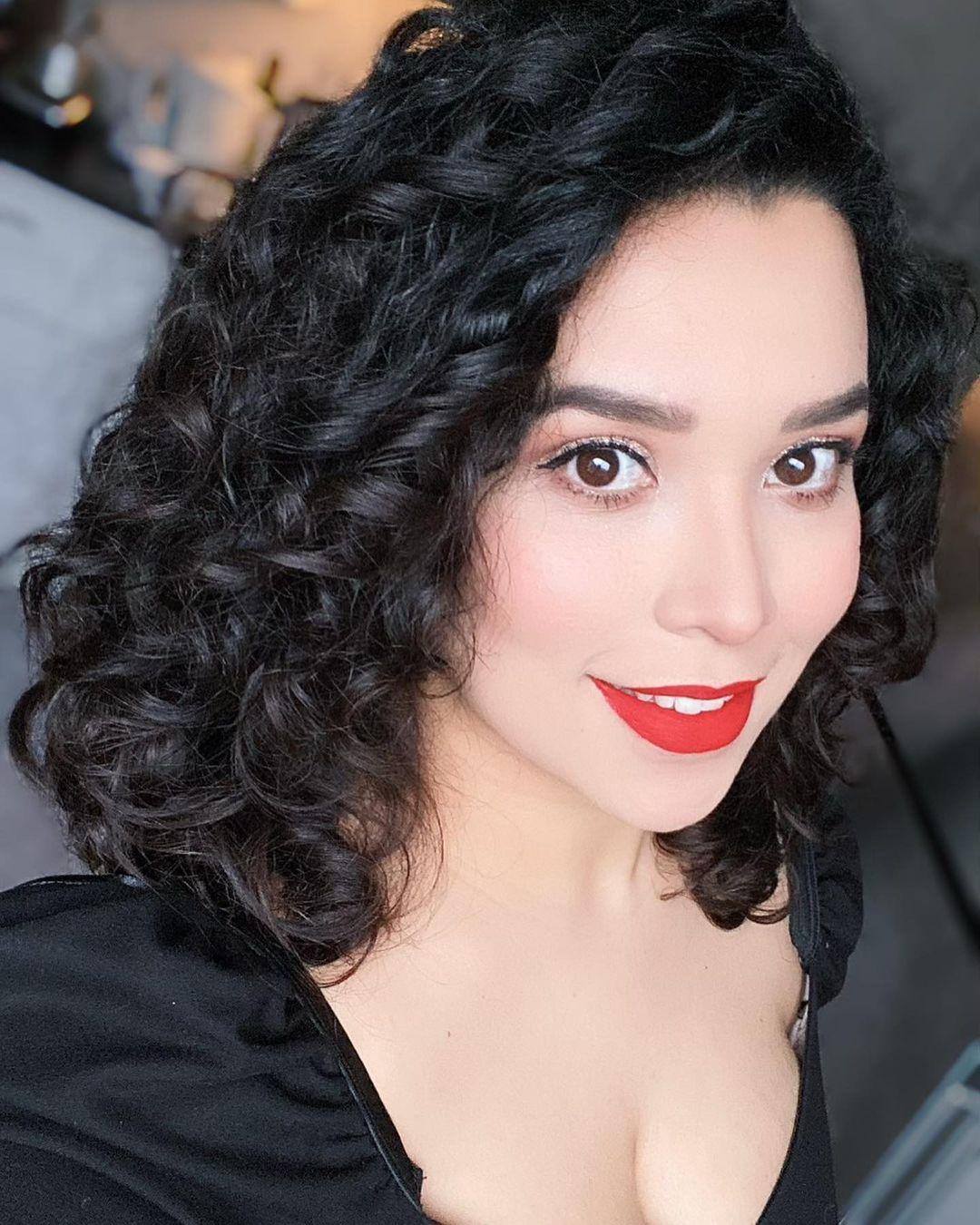 short curly hair 19