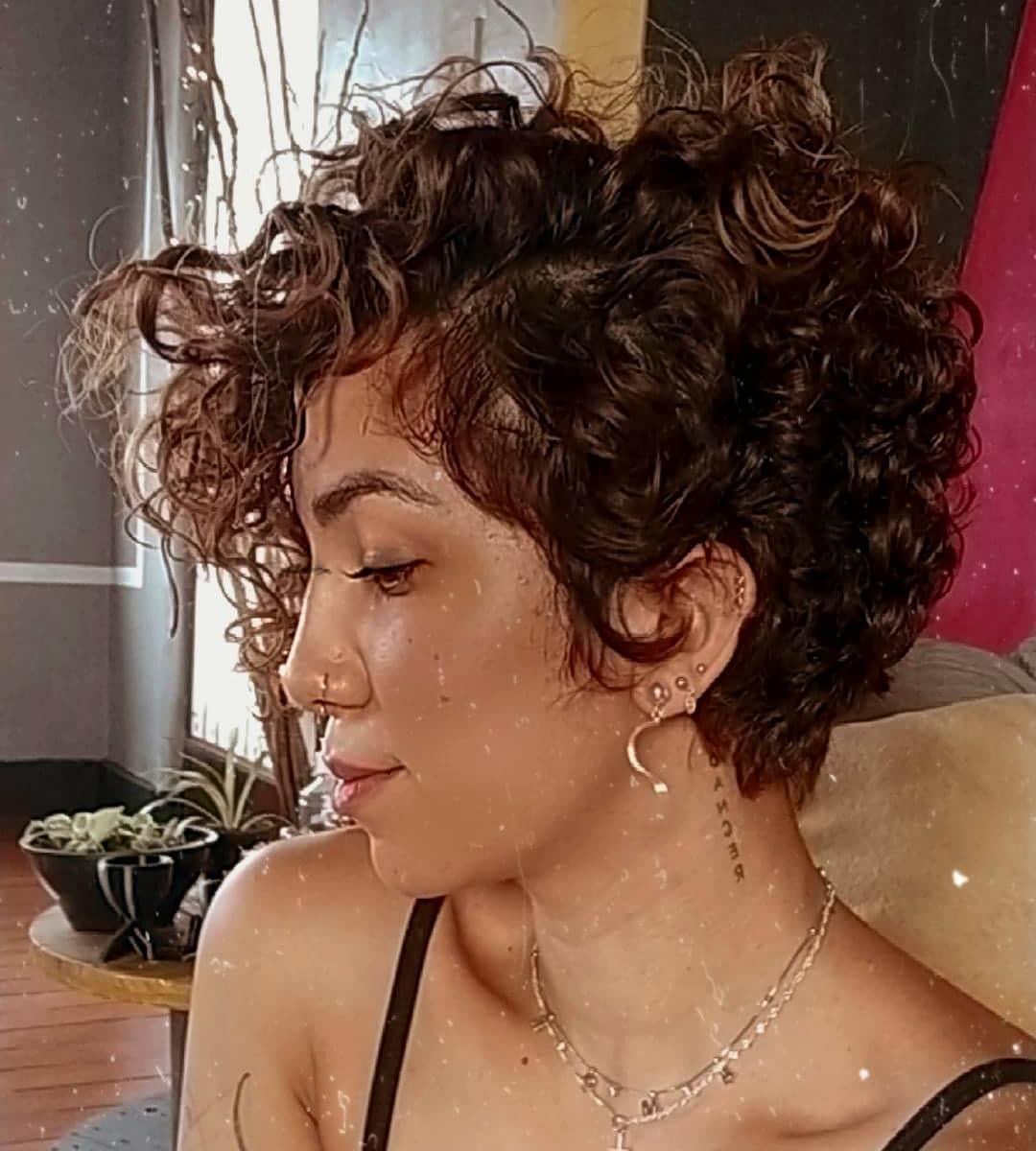 short curly hair 6