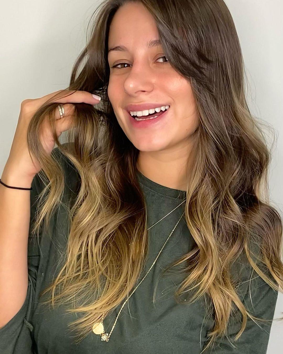 medium hair with bangs 15