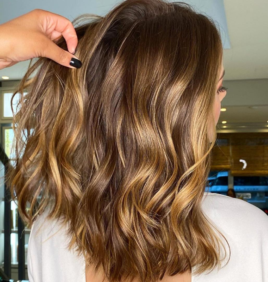 shiny brunette short hair 14