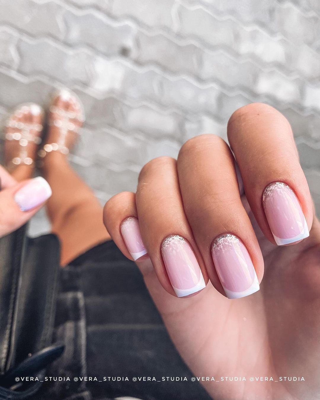 clear nails with francesinha 1