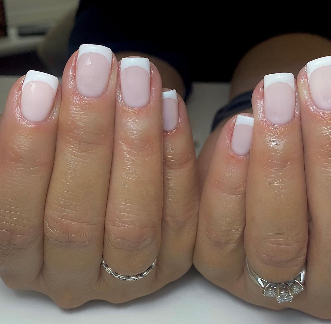 clear nails with francesinha 13