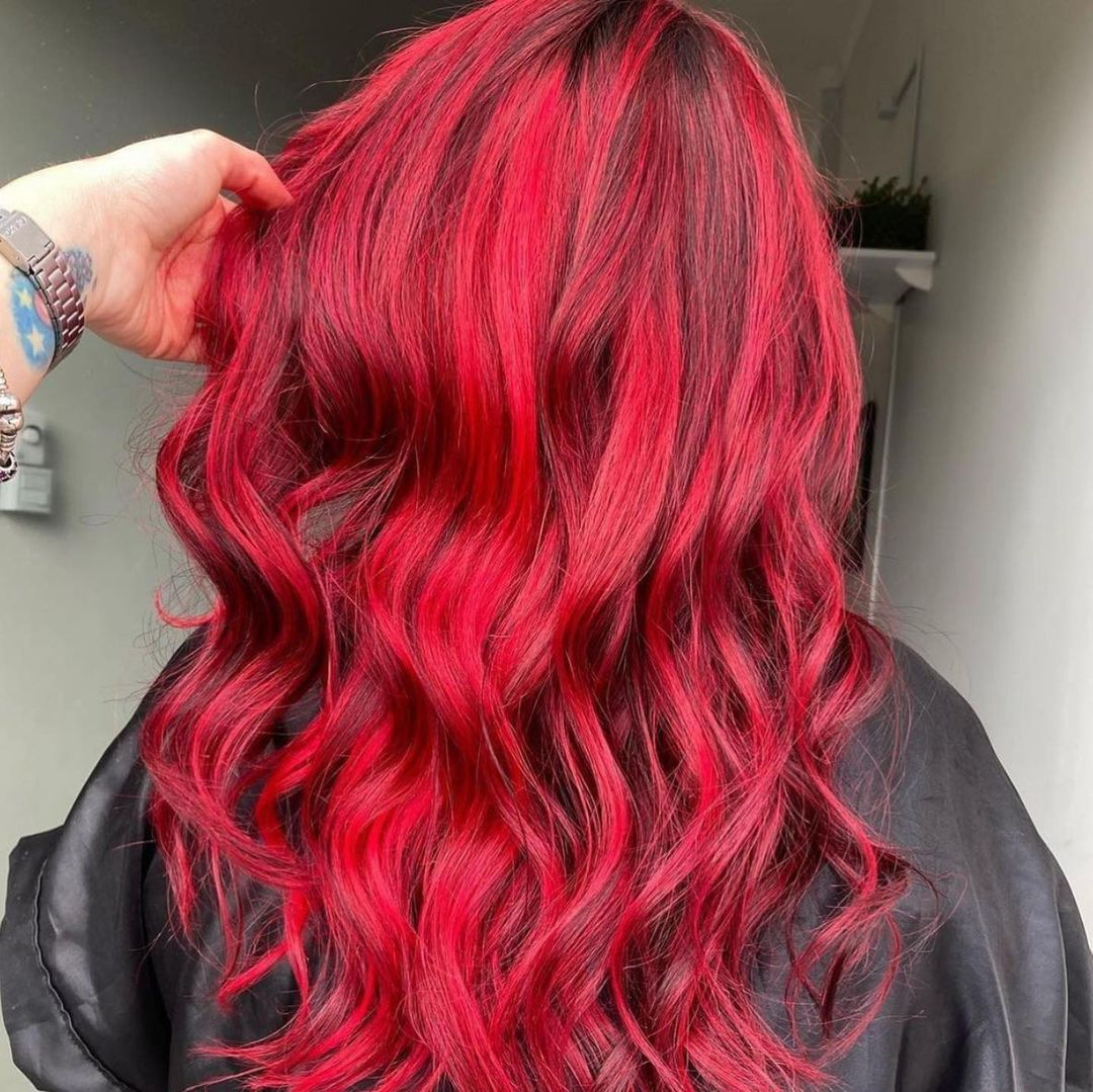 shade of red for brunettes 3